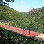 Vue des Gîtes sur la vallée et le tennis