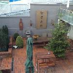Blick in den Innenhof von Zimmer 6 aus