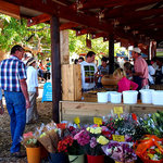 People at Outeniqua Farmers Market
