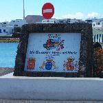 monolito del puerto.