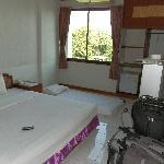 La habitación con el colchón de mi hija en el suelo!!!
