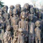Aspec oh the Cildren of Lidice statue
