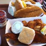 fish and shrimp dinner and catfish dinner