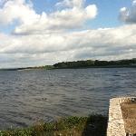 Lago desde la orilla del hotel