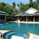 Pool mit Restaurant