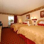 Two Queen Bed's Room