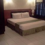 Suite 1,395 peso