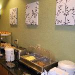 Complimentary Hot/Cold Continental Breakfast Daily