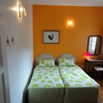 Orange Room (Twin bedded)