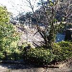 神社から丹那トンネル入口を見下ろす