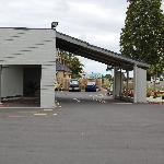 Reception area / Car park