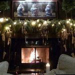 Fireplace in the lobby - le Germain-Dominion