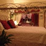 HONEYmoon perfect bed & bath