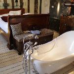 Slipper bath in Room 3