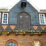 Giebel im Innenhof der Nordhäuser Traditionsbrennerei