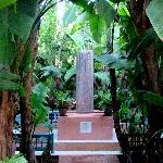 YSL Denkmal