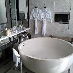 Conrad Koh Samui Villa 219 Bathtub - LoyaltyLobby.com