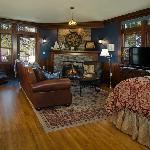 Lake Superior Suite - Duluth Bed and Breakfast