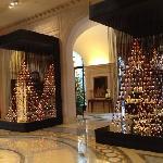 Four Seasons George V - Lobby