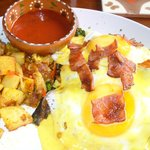 Eggs benedict, island style. So good!