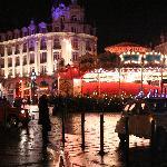 à côté du marché de Noël, les illuminations du centre ville