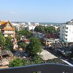 achterkant hotel vanaf balkonnetje