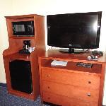 flat screen tv/fridge/micr