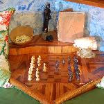 Chalet 1 : sofa and chessboard
