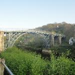 Foto de The Iron Bridge and Tollhouse