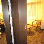 内扉・玄関とベッドルームを仕切る