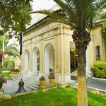 Hotel Phoenicia Facade