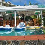 dennis' hideaway pool mayreau