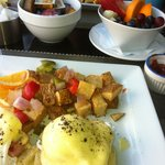 eggs Benny and fruit
