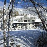 Der Mauerwirt im Schneeweiß der unberührten Naturlandschaft