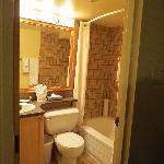 2nd Full Bathroom - 2nd Floor - Loft Suite