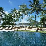 View around the pool (beach behind)