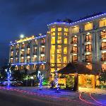 Photo de Ayarwaddy River View Hotel