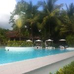 rim flow pool