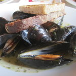 Steamed Bouchot Mussels w/ grapefruit, blood orange, saffron, red onion, salsa verde & toast
