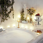 Relax in whirlpool tub in Renoir Suite