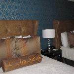 Queen beds (2)