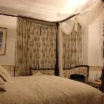 four poster in the central location of the house