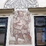 antica decorazione a graffito sulla facciata