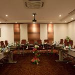 Al Diwan Meeting Room U Shape Style