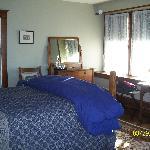 The spacious Cedar Room