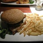A very well filled chicken burger!