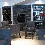 CasaVino fireplace seating