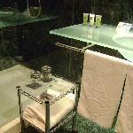 Hotel AC Murcia by Marriot, baño, Murcia.