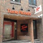 Tune Hotel - London, Liverpool Street