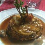 Tatin de pintadeau au foie gras, jus de pomme du limousin